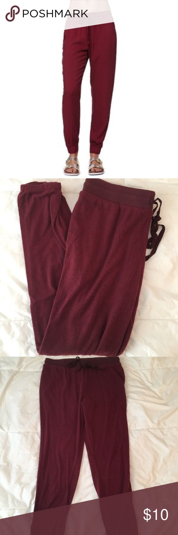 LA Hearts Maroon Joggers Maroon joggers from LA Hearts, PacSun. The pilling was intentional, they were made like that. Size M but also fits a S. SUPER soft and comfortable! Worn maybe 5 times. Open to offers!! PacSun Pants Track Pants & Joggers