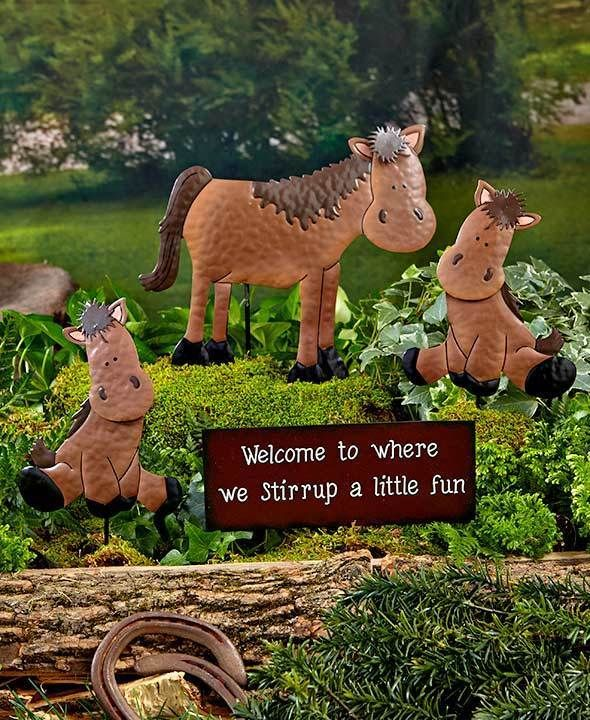 Awesome Horse Garden Decor Welcome Stake Set Farm Animal Family Mom, 2 Babies U0026 Sign