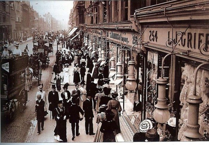 Oxford Street in the late 1800s
