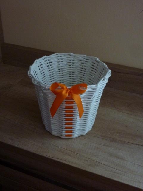Obal na květináč kamarádce k narozeninám+stuha a jak ji proplést | Pletení z papíru