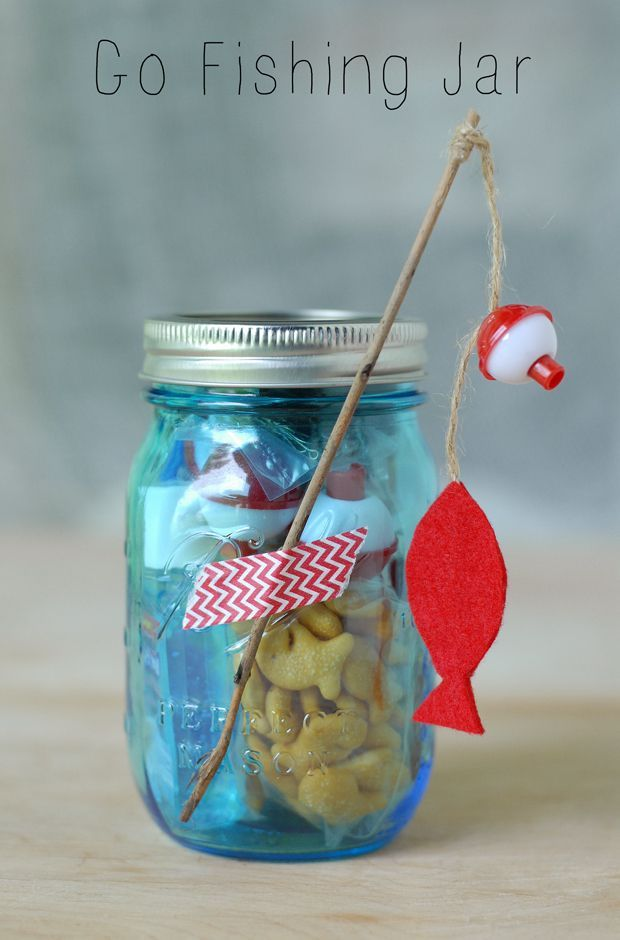 Adorable idea for your kids next fishing trip. Mason jar filled with fishing trip essentials.