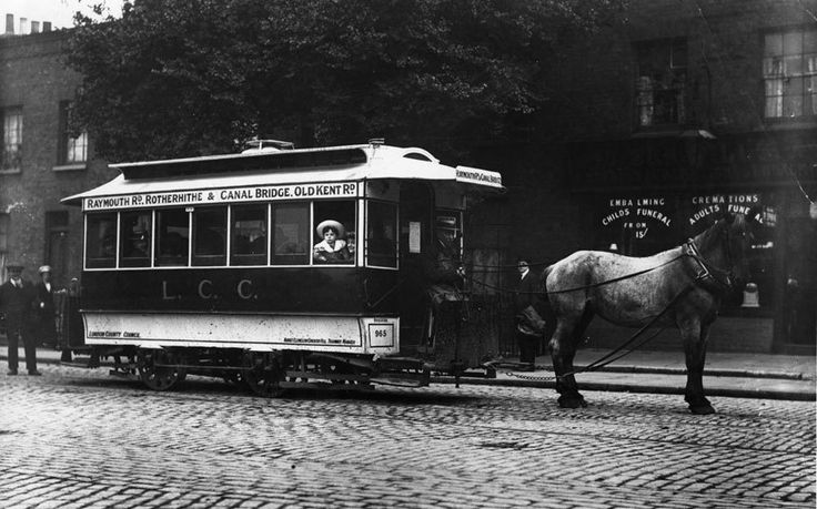 Last horse drawn tram 1913. Fascinating early photographs of London