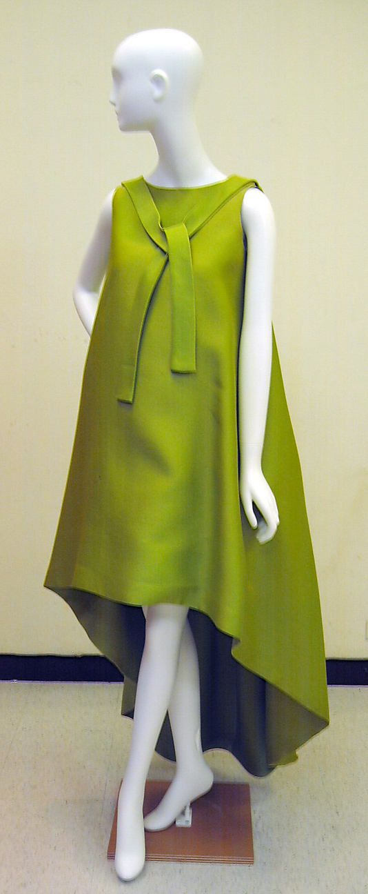 Dress, Evening.  House of Balenciaga  (French, founded 1937).  Designer: Cristobal Balenciaga (Spanish, 1895–1972). Date: ca. 1960. Culture: French. Medium: silk (?). Dimensions: Length at CB: 62 in. (157.5 cm).