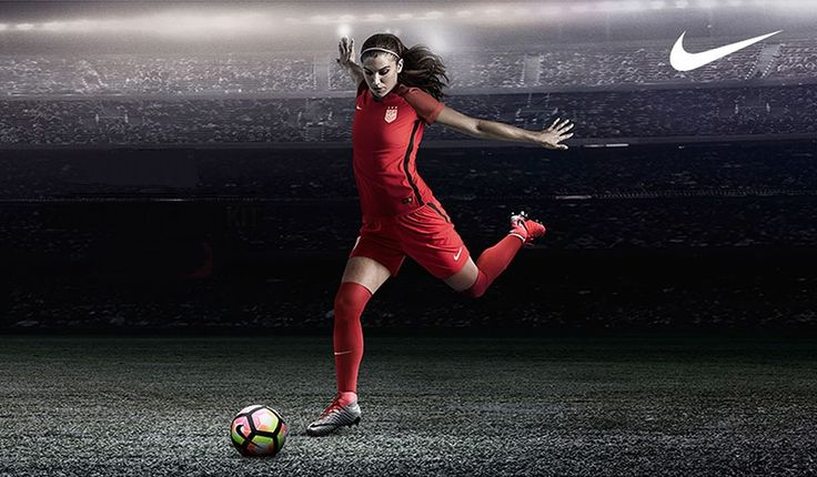 Alex Morgan    USWNT red kit (2017) #redtotoe