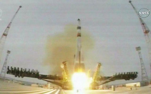 Ha avuto successo il lancio del cargo spaziale russo Progress MS-1 verso la Stazione Spaziale Internazionale La navicella spaziale Progress MS-1 è decollata su un razzo vettore Soyuz 2.1a dal cosmodromo kazako di Baikonur per iniziare la sua missione di rifornimento alla Stazione Spaziale Internazionale #missionispaziali #roscosmos