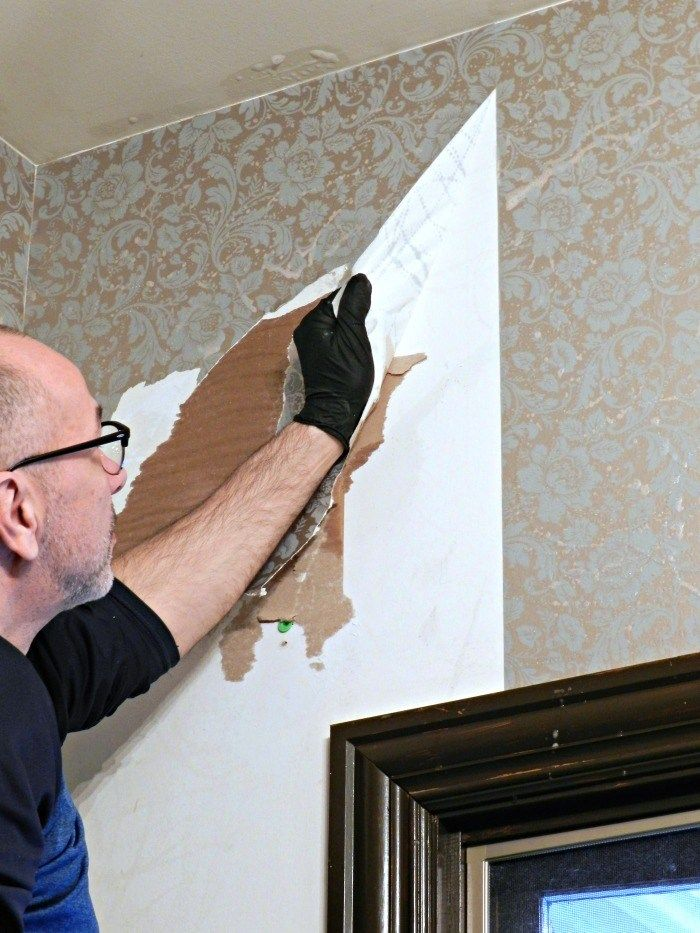 If Youre Searching On How To Strip Wallpaper This Is An Easy Step By