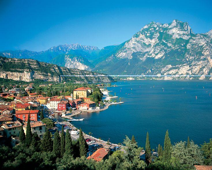 Италия, Римини 23 562 р. на 8 дней с 27 августа 2016  Отель: Hotel Corallo Nord 2*  Подробнее: http://naekvatoremsk.ru/tours/italiya-rimini-36