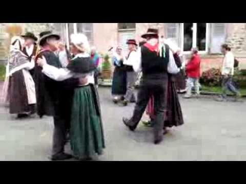 bourree-auvergnate-danse-folklorique-france-auvergne.flv - YouTube