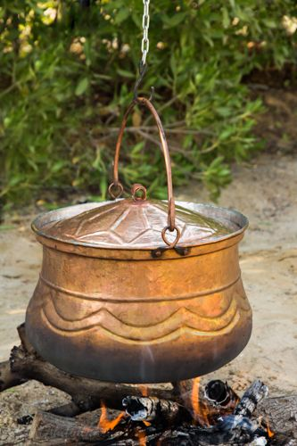 LARGE BRASS COOKING POT FOR AN OUTSIDE FIRE