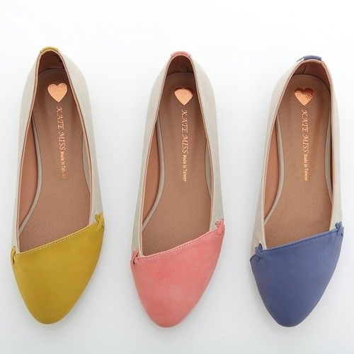 Two-tone asymmetrical flats.Point Toes, Pink Yellow, Fashion Shoes, Flats Shoes, Flats Loafers, Girls Fashion, Ballet Flats, Girls Shoes, Toes Ballet