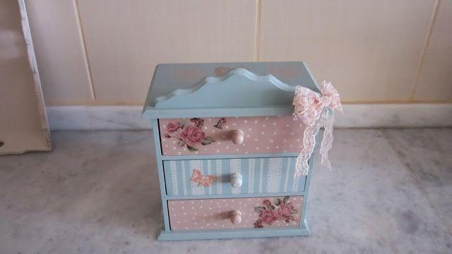 zülüşün işleri: çekmeceli takı kutusu