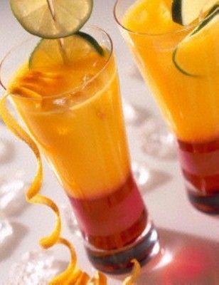 Orangen-Sunrise Rezept: Gläser,Saft-Orangen,Limetten,Grenadine,Eiswürfel,Holzspieße