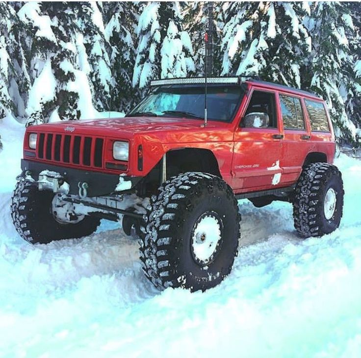 Lifted XJ Jeep in the Snow - https://www.pinterest.com/dapoirier/4x4-and-trucks/