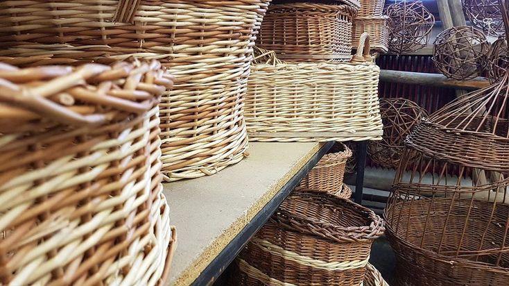 Good practice ✅  Korbflechtern mit Weide ist von Bedeutung im Handwerksbetrieb… – crafts ideas
