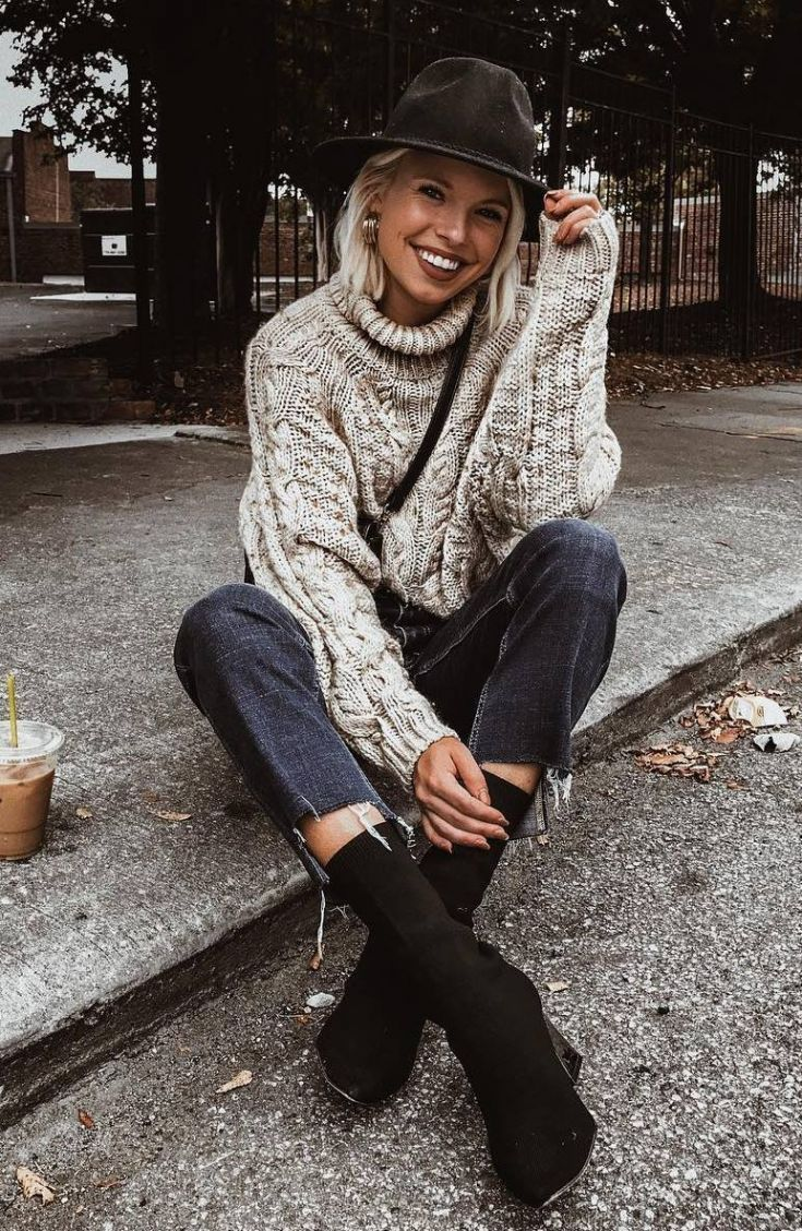 cozy fall outfit to copy right now : hat + bag + jeans ...