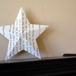 3D paper star with just a few folds and some glue.  Great for tree toppers, ornaments, and shelf decor!