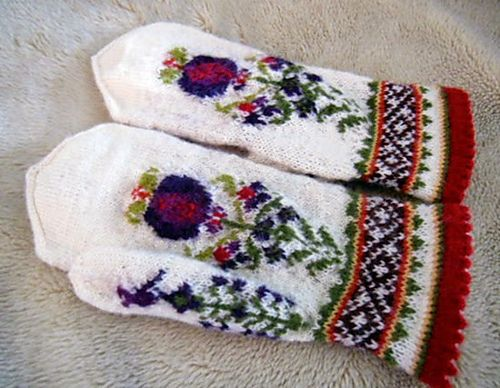 Ravelry: lacesockslupins' #2 traditional motif mittens