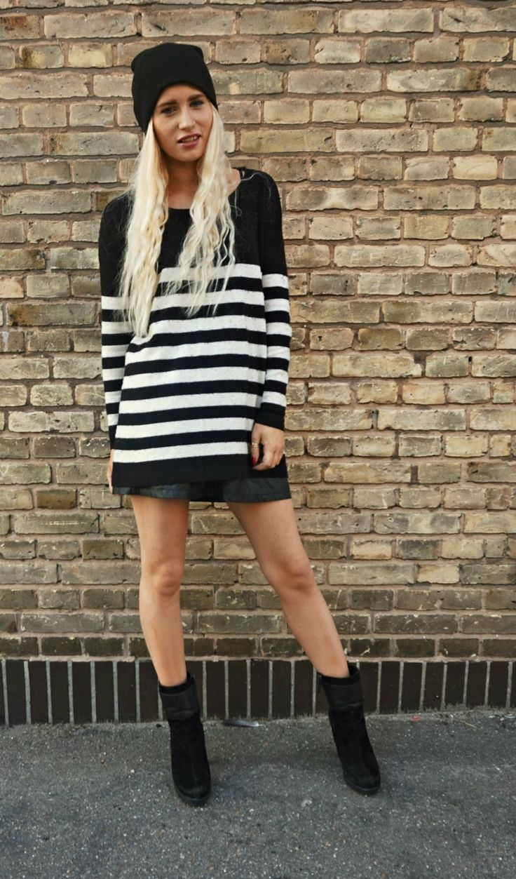 The striped oversized and the black hat!
