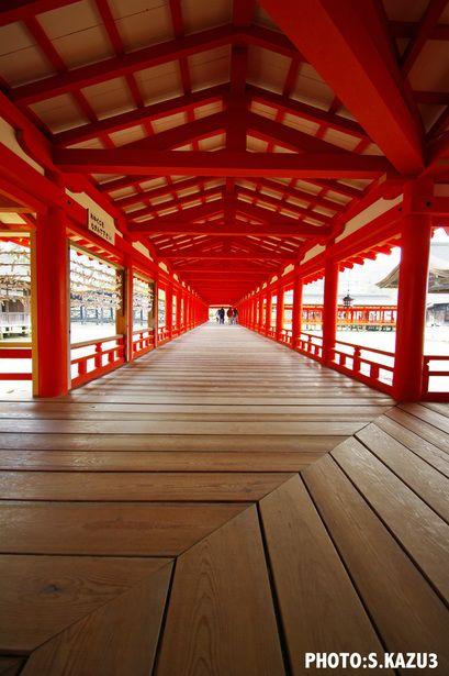 Itsukushima shrine, Hiroshima, Japan 厳島神社.  Yoga here would be so peaceful.