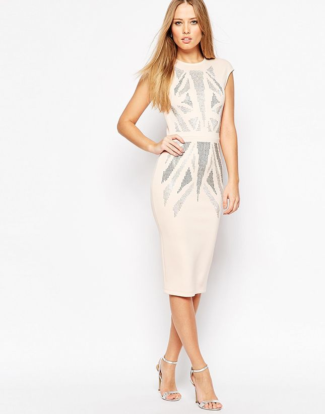 The geometric design on this bodycon dress is everything.