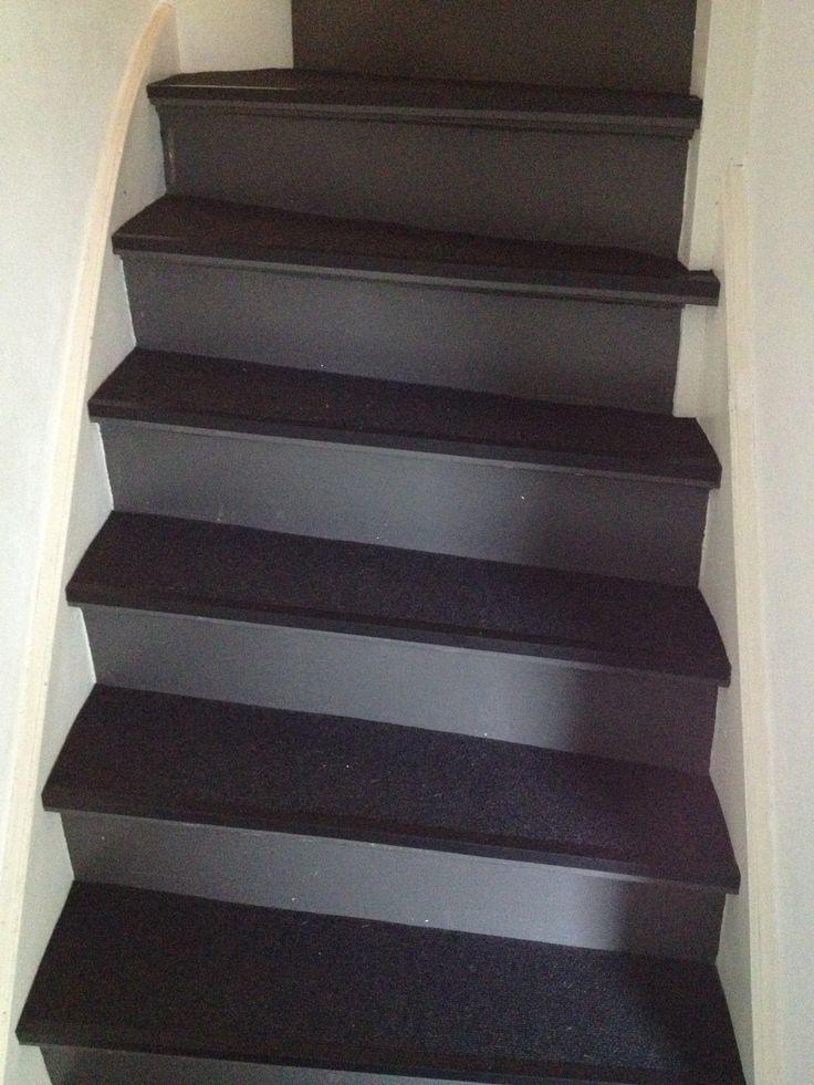 Trap bekleed met vloerbedekking afgewerkt met kunststof hoekprofiel decoratie woning pinterest - Decoratie montee d trap ...