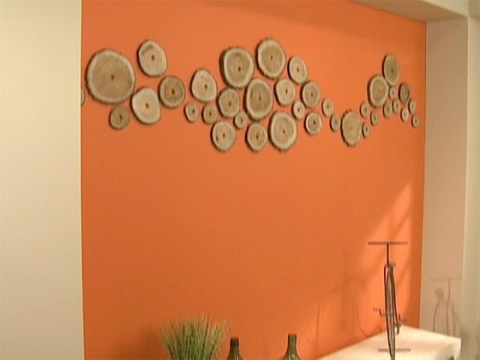 Utilisima v deos pared naranja con troncos pared con for Ideas decoracion casa