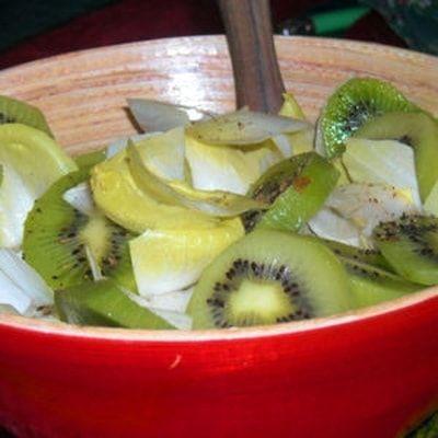 Salade d'endives et kiwis : 45recettes au kiwi - Journal des Femmes