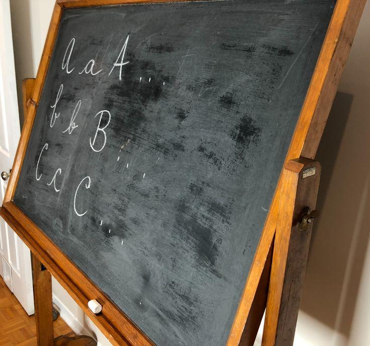 Grande tableau d'école/ Large school chalkboard PrixC$150.00   English description will follow Grand tableau d'école vintage, 2 cotés, pivotant et autoportant, sur roues. Il a son porte craie en plus!  Hauteur. 72'' x L. 53'' x P. 21''  //  Large vintage school chalkboard, 2 sides, swivel, freestanding, and on wheels. What else? And has its own chalk shelf!  Height. 72 '' x L. 53 '' x D. 21 ''