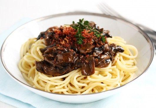 Spaghetti med svampesauce | foodfanatics opskrifter