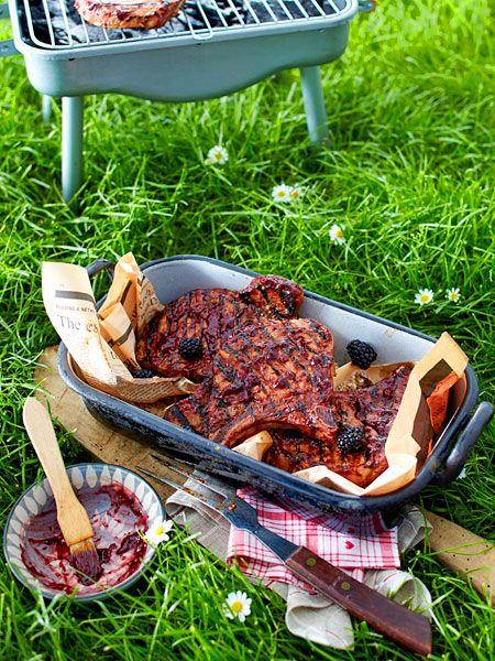 Schweinekoteletts mit Brombeersoße