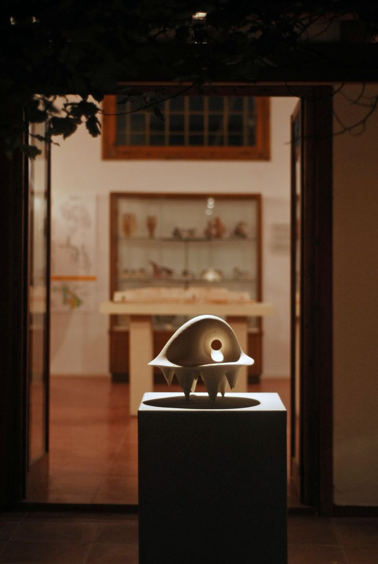 "Medousa:""Figurines from the microcosm of thought"", Archaeological Museum of Aegina/ 2012"