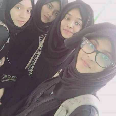 Even we hijabers are students. And like other students we have friends to hangout with and take a selfie