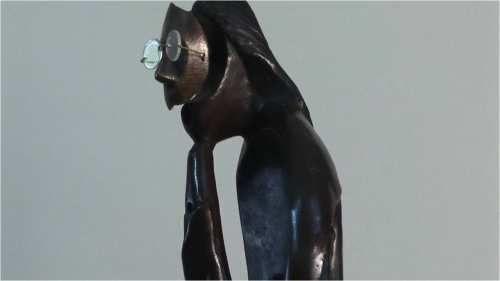 MUSICO ANDINO TITULO:        MÚSICO ANDINO De la serie músicos) fragmento de la obra MATERIAL:   bronce fundido en molde de arena. AUTOR:        pedro pablo murillo cano MEDIDAS:    0. 47*0.15*0.22