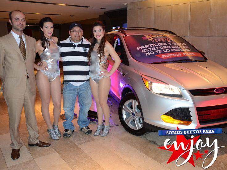 Mauricio Díaz es el primer flamante ganador de un Ford Escape en los sorteos aniversario de Enjoy Antofagasta.