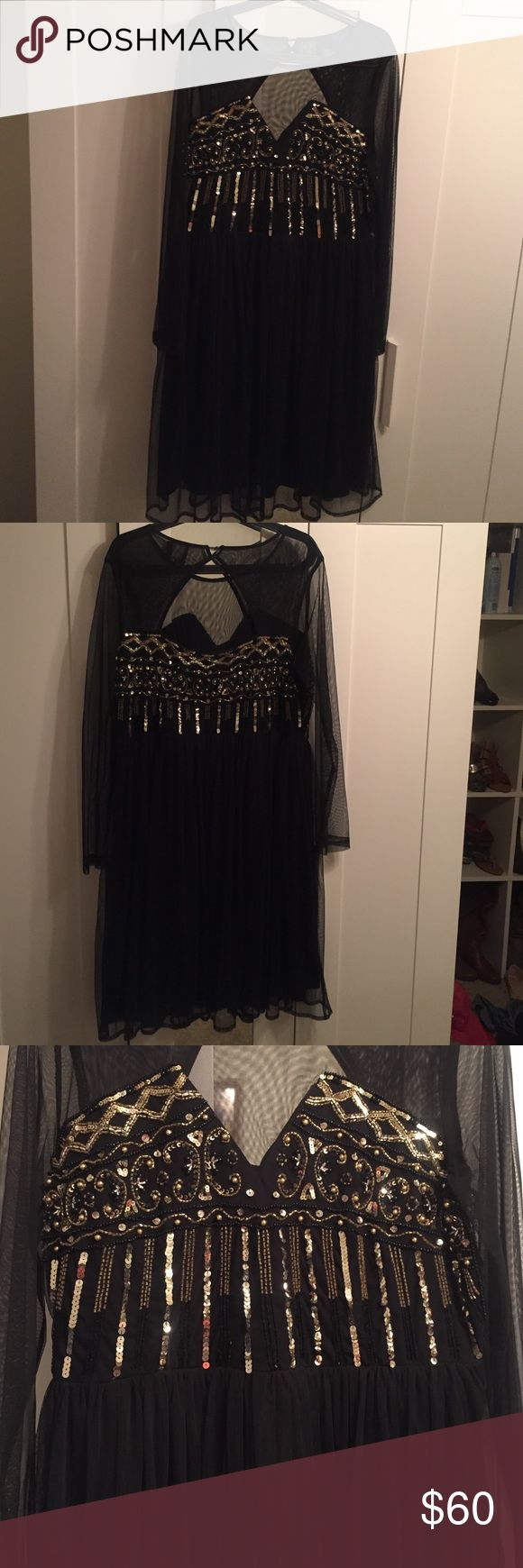 Plus Size Night Dress ASOS Curve black and gold night dress perfect for a special night out. In good conditions only worn once. Buttons on the back are a little bit loose. ASOS Curve Dresses Midi