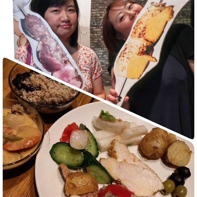 今日は中高一緒の友達と渋谷のトゥッカーノ❤ 肉女子会でございます😋😋😋😋😋😋😋 食べ過ぎやばい。苦しい。。 トゥッカーノはサイドメニュー?というかビュッフェ形式の料理も美味しいから好き❤  #gw#ゴールデンウイーク後半#ゴールデンウイーク短い#会社いきたくない病#肉#女子会#肉食系女子の宴 #日焼けしてまじ黒豚#ブラジル料理#シェラスコ#やっぱ肉でしょ#デブ活#食テロ#食べ過ぎ#幸せ#トゥッカーノ#tucano#food#yummy#instagood#happy#foodpics
