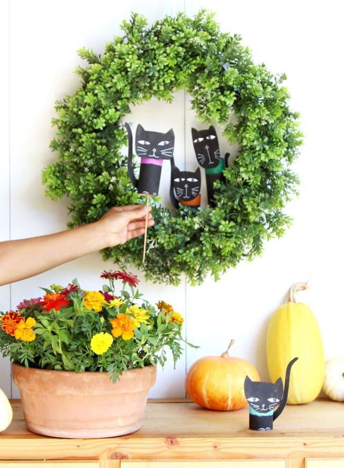 Wickedly Fun Halloween Cat Decorations ($0 Easy Craft!) Your Best - natural halloween decorations