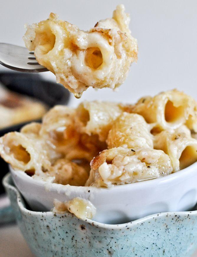 omg the fat girl starving inside me right now wants this soooooooooo bad (four cheese baked skillet rigatoni)