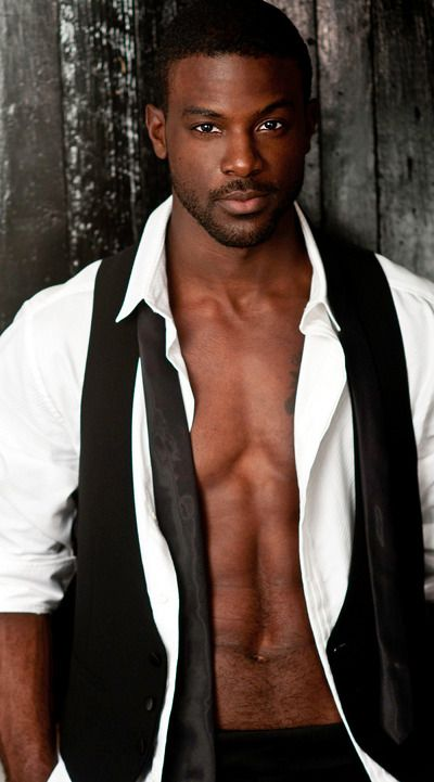 Lance Gross as Elijah Dixon. This may be the best picture he's ever taken. Not tall enough or large enough. But cute. @cassiechronicle