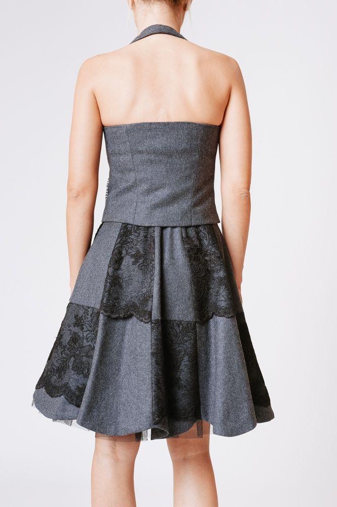 Kamizelka bez pleców, na szyję.  #tamaniera #kamizelka #naszyję #moda #kobieca #szara #nowość #waistcoat #fashion #polandfashion #elegante #style