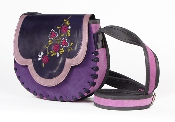 Trendy handtasche aus  leder.    Material: eine Kombination aus Leder und Wildleder     Größe: ca. 24,5 x 22 x 6,5 cm(B,H,T)    Riemen: einstellbare L