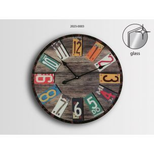 Reloj de pared en madera redondo grande con numeros de colores y cristal  www.relojesplatayacero.com