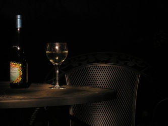 How Many Calories In A Glass Of Wine? Food & Drink - Le Janae