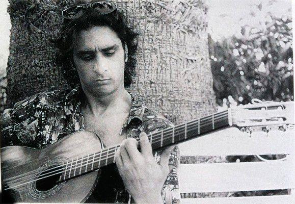 14 de noviembre – Hoy Antonio Flores hubiera cumplido 53 años