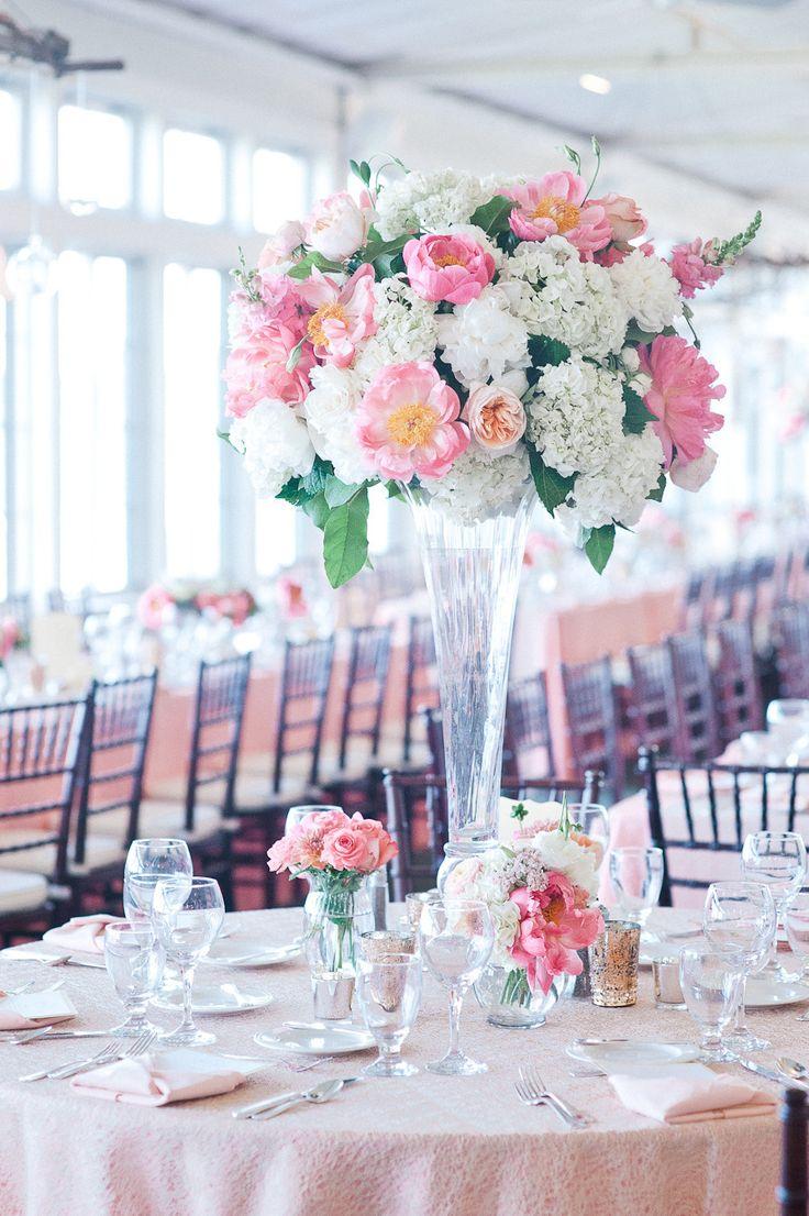 260 best images about centrepieces high on pinterest floral arrangements tall centerpiece - Bouquet table mariage ...