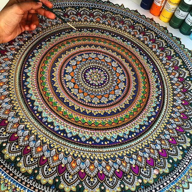Alhamdulillah the colours came together well. #mandala // #murderandrose // Islamic Inspired mandala work. Giveaway winner will be announced on Sunday 20th. TAG 3 friends for a chance to win a B&W mandala to colour in yourself. ❤️