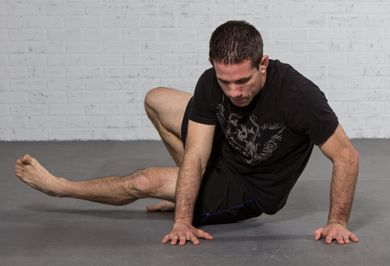 Try this jiu jitsu-inspired workout to add variety to your fitness routine!