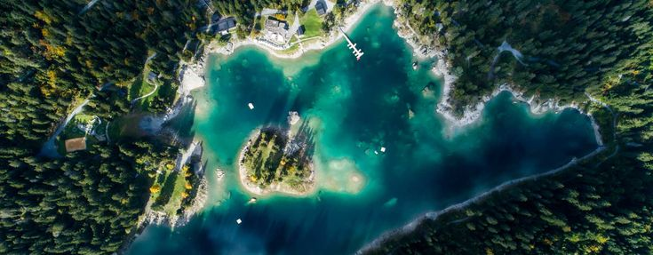 Known as 'Lag la Cauma' in the Romansh language, meaning 'lake siesta', Lake Cauma is the jewel of Flims. Ideal for Swimming, chilling out or sunbathing.