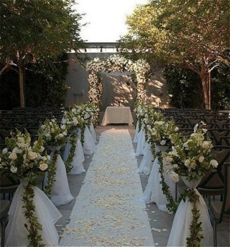 Ceremony space - Luxe Sunset Boulevard Hotel | A Los Angeles Wedding Venue | www.partyista.com