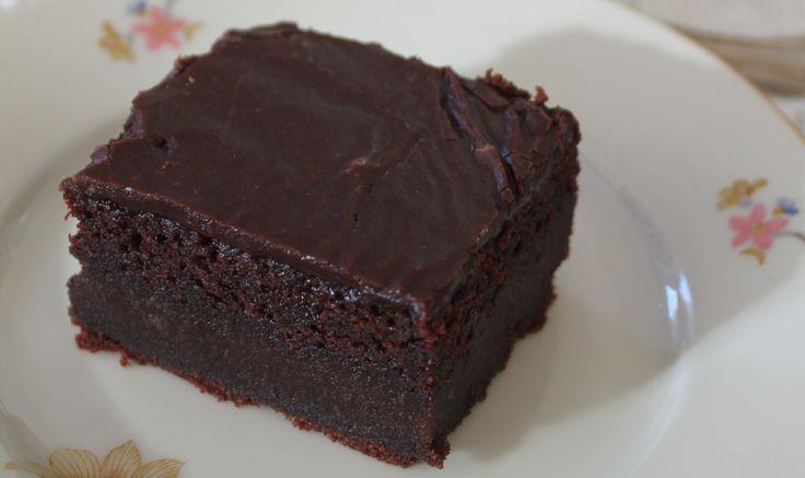 Fyldig og saftig sjokoladekake